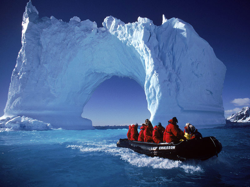 کشف قطب جنوب با فالکون ها